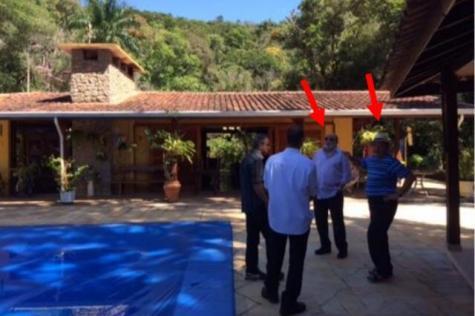 Foto em sítio em Atibaia mostra Lula e ex-presidente da OAS juntos Foto: Polícia Federal / Reprodução / Reprodução