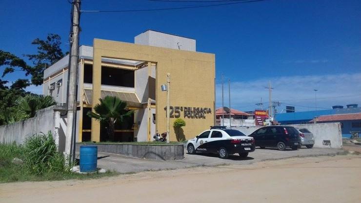 AÇÕES POLICIAIS - Cinco pessoas são assassinadas a tiros em uma casa em São Pedro da Aldeia