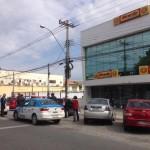AÇÕES POLICIAIS – Bandidos armados invadem loja, rendem funcionários e são presos