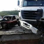 ACIDENTE – Duas pessoas morrem em acidente na BR-101