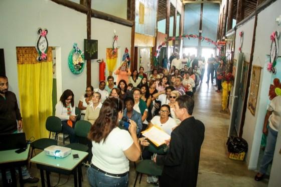 Prefeito Cláudio Chumbinho prestigia confraternização do Horto Escola 3
