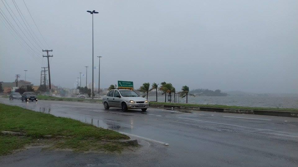 PREVISÃO DO TEMPO - Frente fria chega a Região dos Lagos e deixa tempo chuvoso em São Pedro da Aldeia