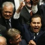 POLÍTICA – Rodrigo Maia vence Rosso no 2º turno e é eleito presidente da Câmara