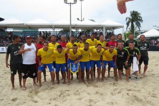 selecao-brasileira-de-beach-soccer-em-sao-pedro-da-aldeia-foto-renato-cosme-fulgoni