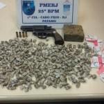 AÇÕES POLICIAIS – Homem é detido com drogas após troca de tiros em Cabo Frio