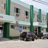 ACIDENTE – Criança e mulher morrem em colisão entre carro e caminhão na RJ-106, em Saquarema