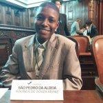 SÃO PEDRO DA ALDEIA – Aluno aldeense recebe o diploma de deputado estadual do Parlamento Juvenil na Alerj