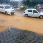 REGIÃO DOS LAGOS – Chuva causa queda de árvores e muro em Búzios; famílias saíram de casa