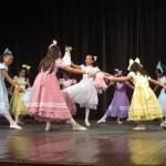 SÃO PEDRO DA ALDEIA – Apresentações infantis animam o 14º Festival Nacional de Danças em São Pedro da Aldeia
