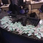 AÇÕES POLICIAIS – Homem é preso com réplica de fuzil e drogas no segundo distrito de Cabo Frio
