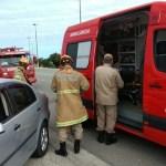 ACIDENTE – Adolescente fica ferido ao bater de moto contra um carro em Cabo Frio