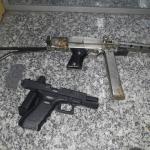 AÇÕES POLICIAIS – PM apreende pistolas após troca de tiros na Rainha da Sucata, em Cabo Frio