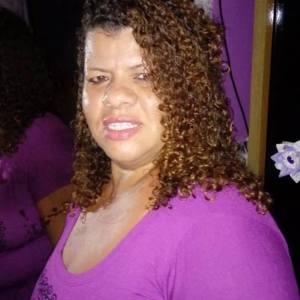 MORADORA DO RIO DE JANEIRO PROCURA PAI EM SÃO PEDRO DA ALDEIA