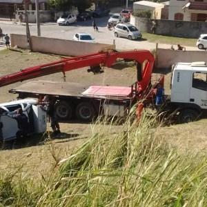 ACIDENTE – Adolescente morre em acidente de carro em Arraial do Cabo