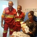 REGIÃO DOS LAGOS – Jovem de 18 anos dá à luz dentro de ambulância de concessionária na RJ-124