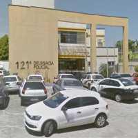 AÇÕES POLICIAIS – Bandidos roubam carro em Rio das Ostras e se envolvem em acidente