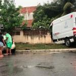 ACIDENTE – Colisão entre carro e ambulância deixa duas pessoas feridas em Saquarema