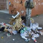 REGIÃO DOS LAGOS – Coletores de lixo entram em greve e Cabo Frio tem pontos de acúmulo de sujeira