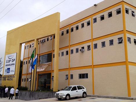 PM prende homem com drogas em Iguabinha