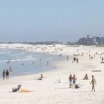 Turista morre após se afogar na Praia do Forte, em Cabo Frio