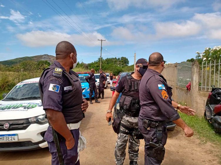 Secretaria de Segurança e Ordem Pública encerra festa de música eletrônica em São Pedro da Aldeia