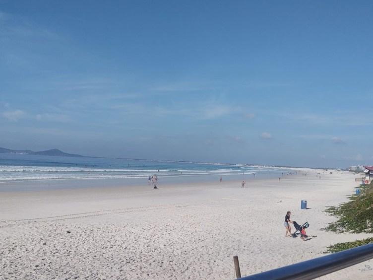 Cabo Frio suspende barreiras sanitárias e mantém proibição de praias após pausa emergencial no RJ