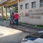 Homem é preso em flagrante suspeito de espancar e manter a própria mãe em cárcere privado em Cabo Frio