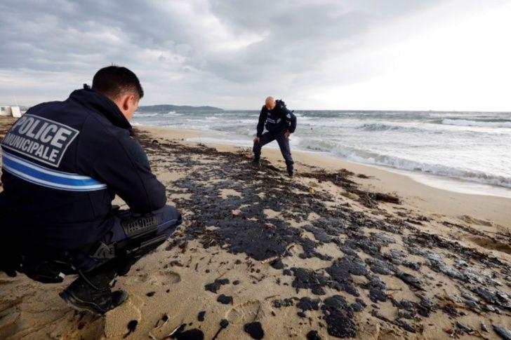 contaminacion por petroleo en palyas de francia