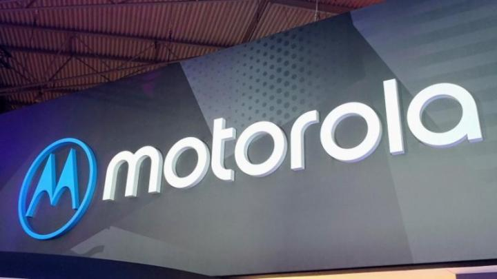 Motorola - Motorola One Vision volta a surgir em novo render