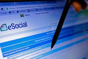 Auditor da Receita esclarece boataria sobre o fim do eSocial