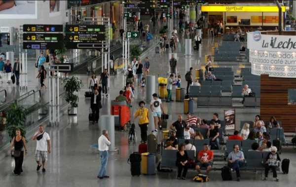 Pasajeros-en-el-aeropuerto