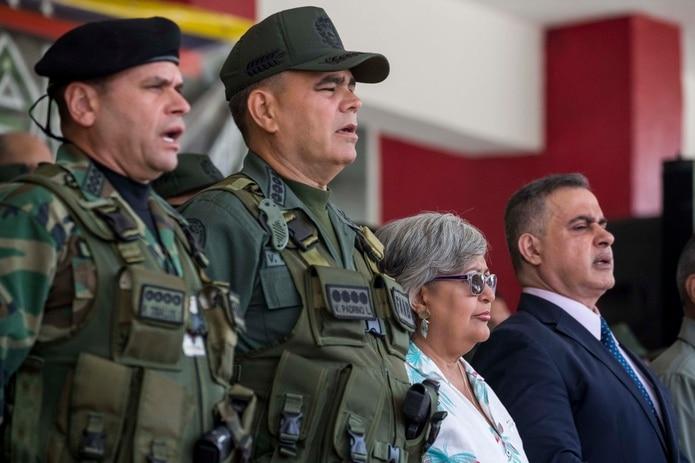 En la imagen, al centro, el ministro de Defensa y jefe de las Fuerzas Armadas de Venezuela, Vladimir Padrino. (EFE).