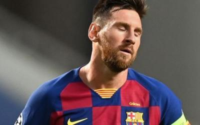 Lionel Messi entrega la solicitud de traspaso al Barcelona
