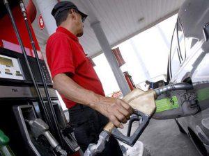 Suben 5 y 6 pesos todos los combustibles