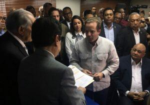 Senador José Paliza busca la presidencia del PRM