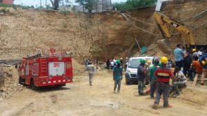 Al menos tres muertos y varios heridos al producirse deslizamiento de tierra en área monumental de Santiago