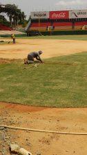 Águilas Cibaeñas reparan terreno de juego estadio Cibao