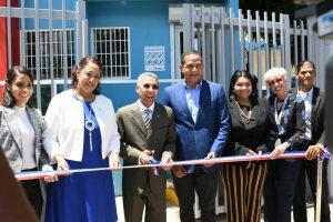 """Promese/Cal inaugura dos """"Farmacia del Pueblo"""" que beneficiarán a más de 600 mil personas en Santiago."""