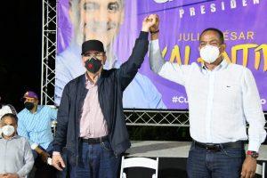 Danilo Medina vaticina triunfo de Valentín como senador en Santiago
