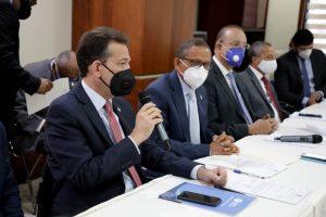 Ministro Bisonó respalda la modificación a la ley de Proindustria para impulsar la renovación industrial