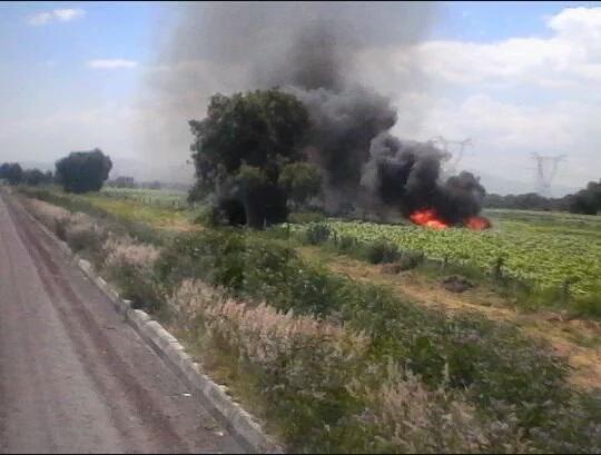 Huichocoleros causan incendio en toma clandestina