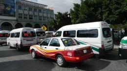 Desisten organizaciones de incrementar costo del servicio de taxi