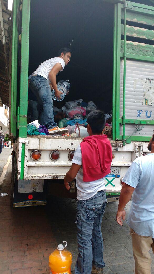 Tehuacán entregó 7 toneladas de ayuda a damnificados por Earl