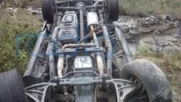 Vuelca auto en la intermixteca, tiene placas de Campeche