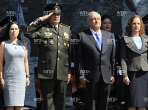 """Agradece AMLO al Ejército por """"dar la espalda al golpismo"""""""