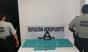 DECOMISAN DROGA EN AEROPUERTO DE OAXACA