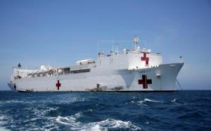 Llega buque hospital a Nueva York