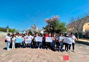 Hartos de los paros, marchan estudiantes de la UABJO
