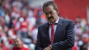Ricardo La Volpe dice adiós al futbol