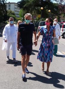 Andrea Bocelli dona su plasma para la investigación, tras padecer coronavirus